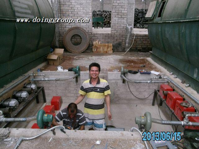 墨西哥客户的废轮胎热解机安装完毕,目前运行良好