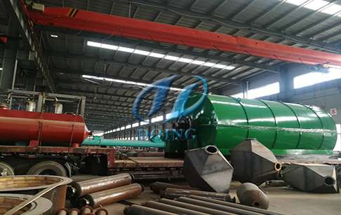 云南红河两台12吨废旧轮胎炼油设备发货