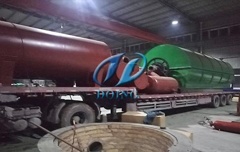 恭贺云南普洱两台10吨废旧轮胎炼油设备顺利发货