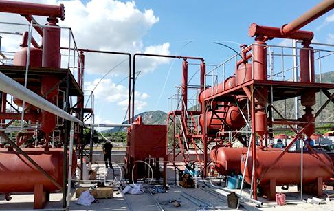 越南客户两台轮胎炼油设备安装现场